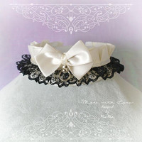 Kitten Pet Play Collar DDLG Choker Necklace Beige Ivory Satin Black Lace Bow O ring kitty Jewelry pastel goth Lolita BDSM