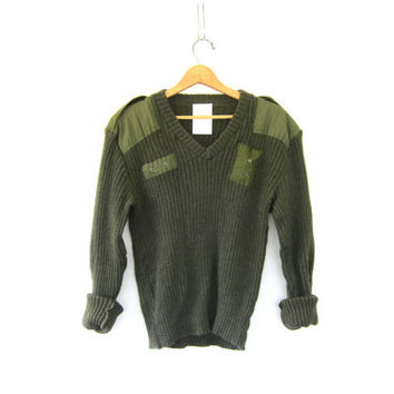 Vintage Military commando Sweater - Army green wool Pullover with elbow patches - Men's Size L