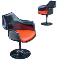Eero Saarinen Pair of Tulip Swivel Armchairs