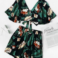 Floral Plunging Knot Back Crop Top With Shorts