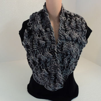Handcrafted Cowl Wrap Gray Textured 100% Merino Wool Female Adult -- New No Tags