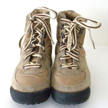 Vintage Women's Hiking Boots KangaRoos with Zip Pockets, Size 10, Tan with Black and Orange