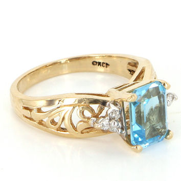 Vintage 14 Karat Yellow Gold Blue Topaz Diamond Cocktail Right Hand Ring Estate