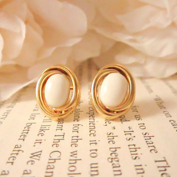 Vintage Pearl Earrings, Button earrings, vintage earrings, gold earrings, bridesmaid earrings, spring jewelry, stud earrings, Valentines Day