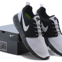 n059 - Nike Roshe Run (Oreo White/Black)