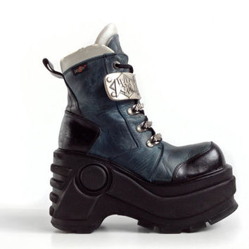 90's Destroy Platform Leather Buckle Chunky Leather Blue and Black Ankle Boots // 8