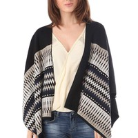 Q2 Black Geo-Tribal Cape In Knitted Fabric