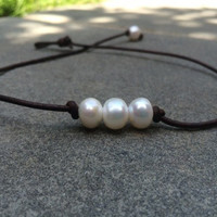 Three Pearl Leather necklace