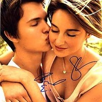 FAULT IN OUR STARS, The (Shailene Woodley & Ansel Elgort) 8x10 Cast Photo Signed In-Person