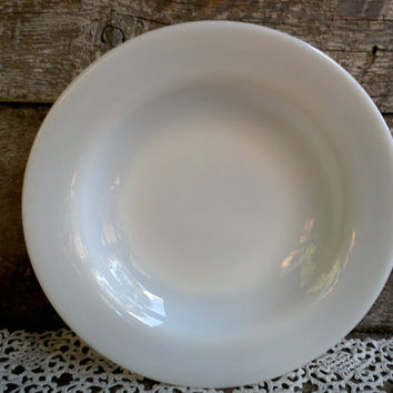 PYREX MILK GLASS Shallow Bowl, White Milk Glass, Cereal Bowl, Salad Bowl, Desert Bowl, Glass, Kitchen, 50s, usa, Serving