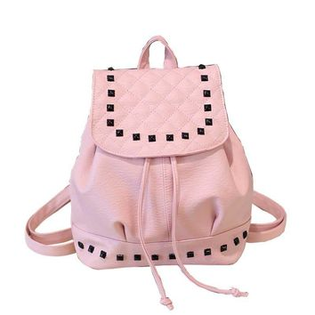 2017 new women designer backpacks female bags popular rivets backpack fashion street commuter student travel trend school backpa