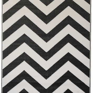 Laguna Black and White Rug