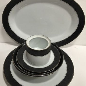 Noritake Mirano Fine China Etched Flowers On Black Band 7 pc. Dinnerware Japan