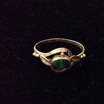 Antique Silver Ring with Green Stone Size 7