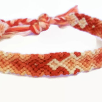 Coral Peach Gradient Arrowhead Pattern Embroidery Friendship Bracelet, Ombre Coral Peach Arrow Bracelet, Descending Diamond Bracelet
