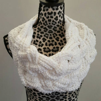 Crochet double Braided soft white Cowl. Infinity Cowl. Braid Cowl. Cowl. Scarf. Braid. Made By Bead Gs on ETSY. Braided