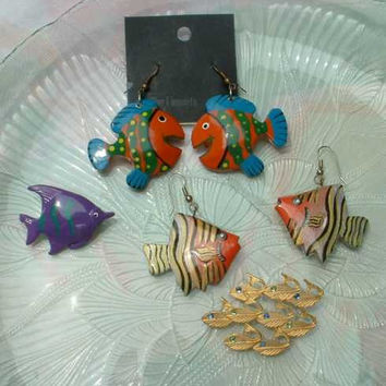 Lot of Fish Jewelry 2 Brooches 2 Pair Earrings