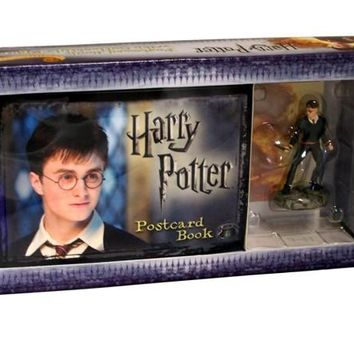 Harry Potter Postcard Book with Limited Edition Harry Potter Figure 1