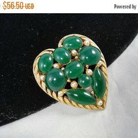 ON SALE Vintage Green Stone Heart Brooch, Designer Signed BSK Collectible Faux Pearl Jewelry,  1940's Art Deco Era Pin