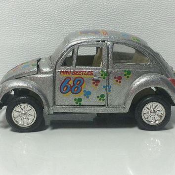Silver 68 Mini VW Beetle Bug Diecast Car Paw Print Design 1968 Pull Back Toy Volkswagen Collectible Free US Shipping Soaring Hawk Vintage