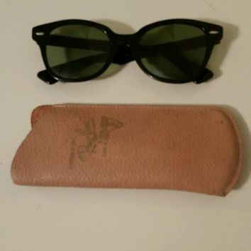 Vintage Ray Ban sunglasses -prescription lense B&L 5220 USA - leather case