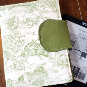 TOILE Green and Beige E-Reader Cover Kindle Touch, Nook Cover, Kobo Cover, Kindle Fire Cover, Kindle Touch Cover Made to Order