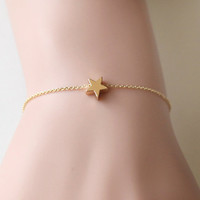 gold star bracelet, tiny bracelet, Birthday wedding jewelry, bridesmaid jewelry, petite necklace, Everyday Dainty bracelet, Christmas gift
