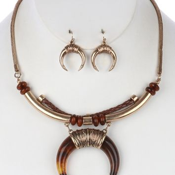 Crescent Shaped Lucite Horn  Barrel  Braided Faux Leather Snake Chain Necklace Earring Set