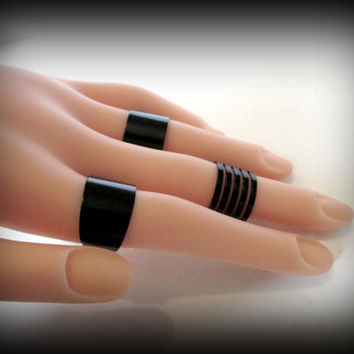 Knuckle Rings-gothic Ring-Multi Finger Rings-Black Ring set-Mid Ring-Black Wrap Ring-adjustable ring -set of 3