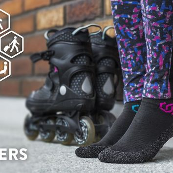 SKINNERS: Revolutionary Ultraportable Footwear with Silver
