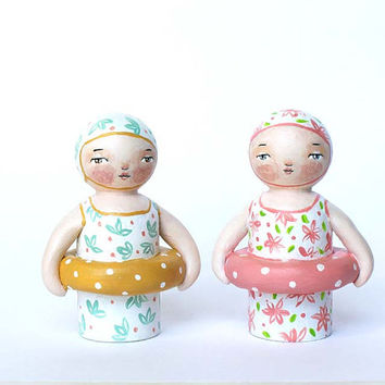 Handpainted wooden peg doll - Old fashioned bathing girl