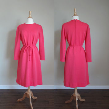 1960s Bubblegum Pink Mod Bleaker Street Shift Dress // Medium