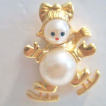Christmas Skating Snow Woman Brooch Pin Pearl Snow Man Costume Jewelry Gold Tone