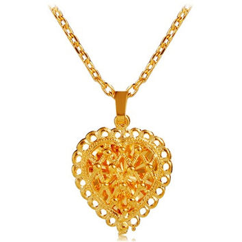 Cut-out Heart Pendant Necklace (Gold)