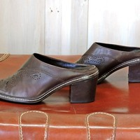 Womens Vintage mules US 7 / EU 39 / brown leather western mules / clogs / 90s Gianni Bini made in Brazil