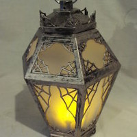 HALLOWEEN HAUNTED CREEPY LANTERN; MOTION ACTIVATED ANIMATED W/ CHILLING SPEAKING