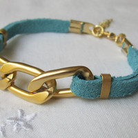Leather bracelet, Gold chunky chain with turquoise leather bracelet, Gold bracelet, Turquoise leather bracelet with chunkey chain