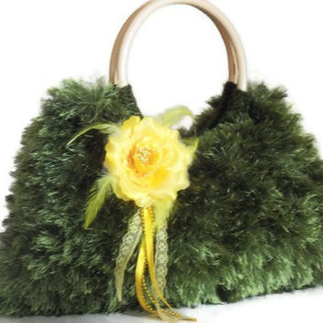 olive green JUBBJUBB knitted handbag purse with by PinKyJubb