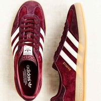 adidas Originals Gazelle Gum-Sole Indoor Sneaker-