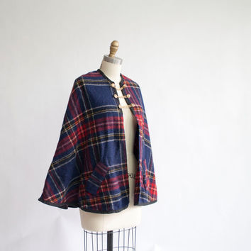 Vintage Plaid Cape / Chain Link Closure / by GingerRootVintage