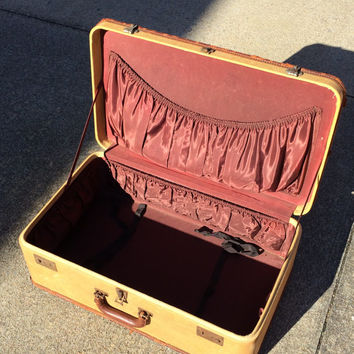 Vintage AMELIA EARHART Tweed Retro Suitcase Leather Trim Hard Case Suit Case Retro Travel Bamboo Fabric Lined Tie Downs Burgundy Interior