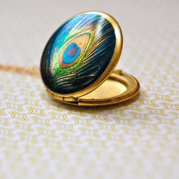 The Delicate Peacock Locket  Vintage by verabel on Etsy