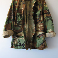Vintage 80's Military Camouflage Camo Jacket Shirt Faded Distressed Short Small