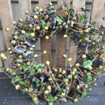 St Patrick's Day Accent Wreath - Rag Wreath - Primitive Candle Ring- St Patrick's Day-Berry Candle Ring - Rag Candle Ring- Homespun
