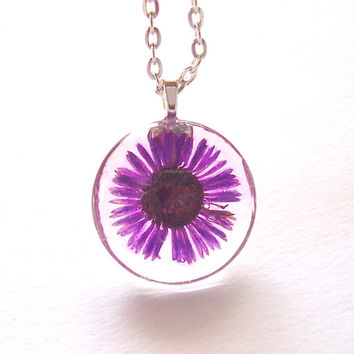 Real  Daisy Pressed Flower Purple Round Glass Necklace