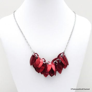Red chainmaille scales necklace