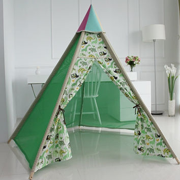 Green summer teepee tent, baby play tent