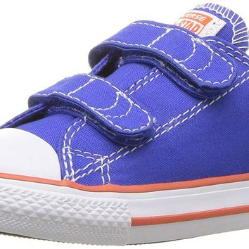 Converse Kids' Chuck Taylor All Star 2v Seasonal Low Top Sneaker