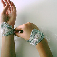 Short Fingerless Lace glowes, bright silver wristlet
