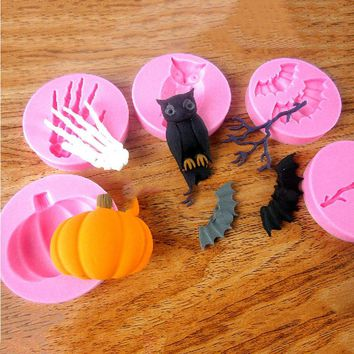 Six Styles Halloween Molds Fondant Cream Chocolate Silicone Molds Hand Skeleton Spider Bats Pumpkin Owls Clay For Kitchen Baking